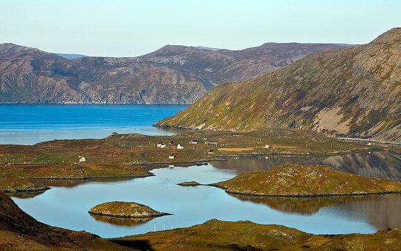 Utsikt over Dønnesfjord