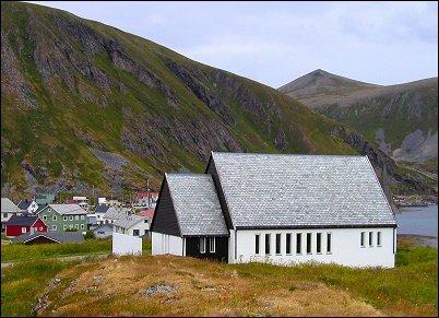 Sørvær kirke - Copyright Anne Olsen-ryum