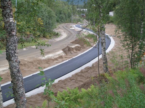 Svinger asfalt  600