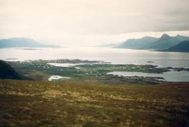 Lokkøya litt til høyre for midten av bildet ca. 1997 Originalbildet er lånt av Jørgen Martinsen