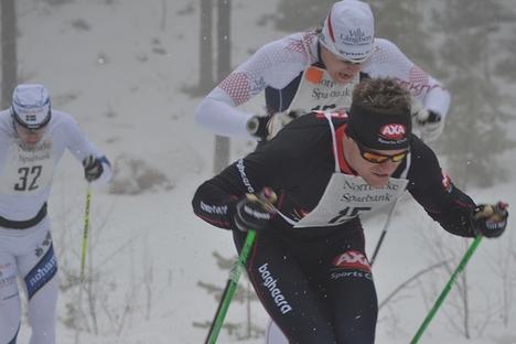 Jimmie Johnsson, Rikard Tynell och Fredrik Byström i hård stakkamp under Norrbärke Ski Maraton. FOTO: Johan Trygg.
