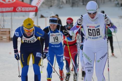 Annika Löfström och Susanne Nyström varvade tillsammans men i spurten var Annika starkast. FOTO: IFK Mora SK.