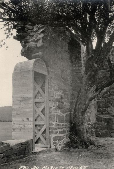 Ruin av St. Margaretakirken. Foto: Gerhard Fischer 1934