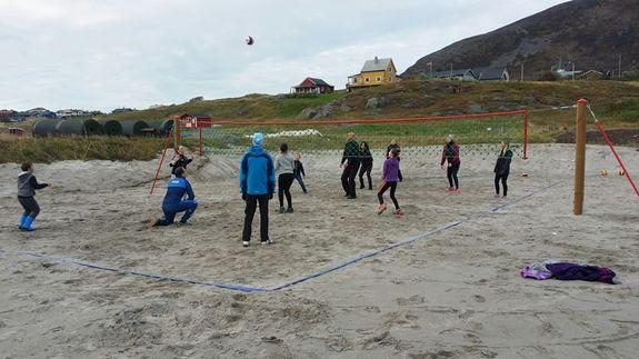 Åpning av sandvolleyballbanen på Hasvik 25.09.16