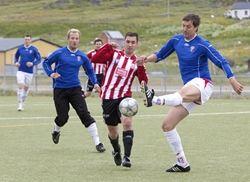 Fotballkamp på Hasvik - copyright Anne Olsen-Ryum