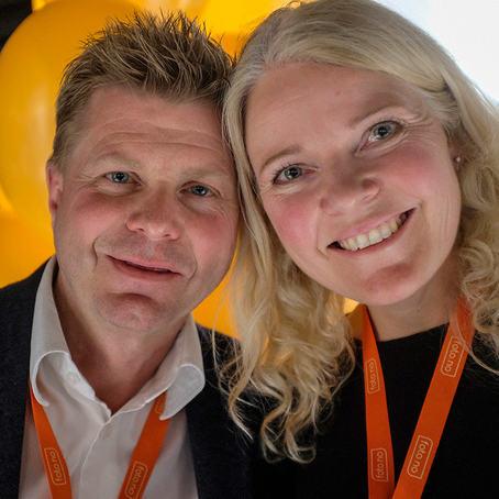 Roar Sandvik og Elin Tuv Sandvik bygget opp FotoVideo, solgte seg ut for et par år siden, og gikk inn i Foto.no. I dag åpner de ny butikk i Bjørvika.