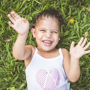 Glad jente. Foto: Pixabay