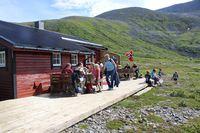 Kafe på Røde Kors hytta - Foto: Keth Olsen