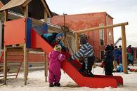 Barn i lek i Vidarheim barnehage