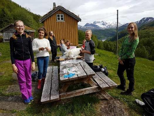 Ferieklubben 2017 på tur i Kjelvika