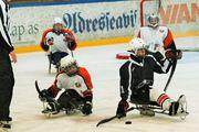 Kjelkehockey  - Alexander Lyngroth (tv) mot Ola Bye Øiseth (th)