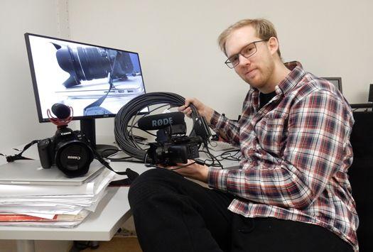 Andreas med kamerautstyr