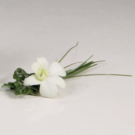 interflora_corsage_hvit