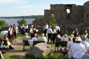 Sogn og Fjordaneringen olsok 2004. Foto: Tor Øystein Olsen