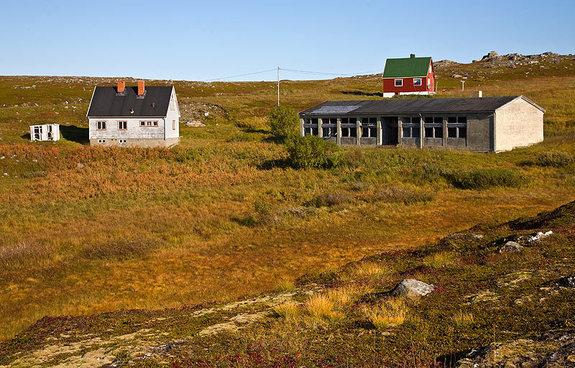 Den nedlagte skolen i Dønnesfjord