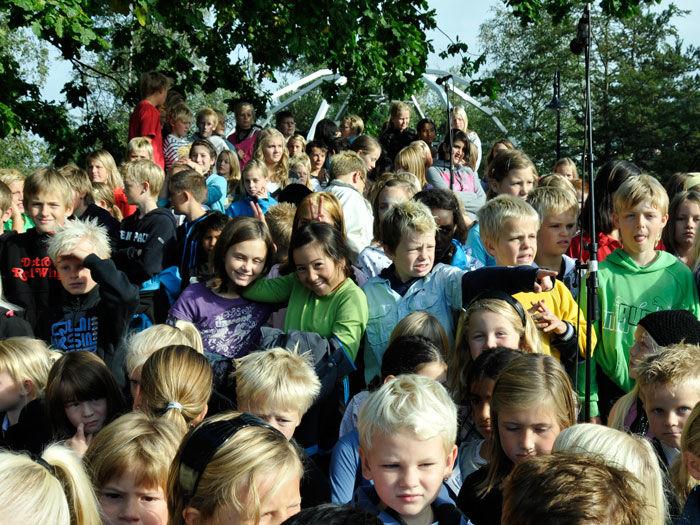 Barn synger i Egersund sentrum