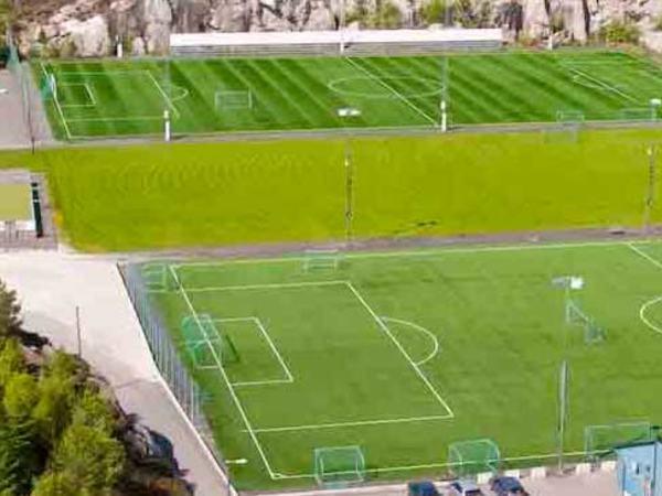 Fotballbaner