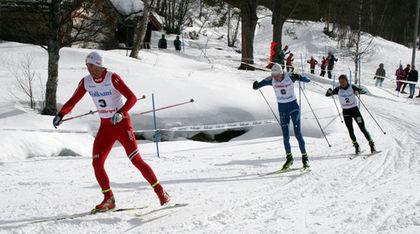 THOMAS NORTHUG i täten i finalen i H19-20 före Fredrik Jonsson och Gustav Eriksson. Foto: MOA MOLANDER KRISTIANSEN