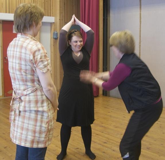 Sissel, Ronja og Trude: Øvelse Hi Ha Ho