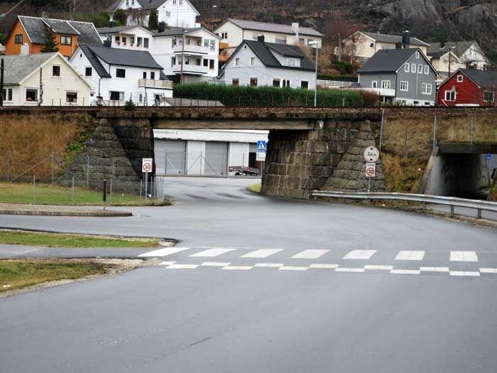 Jernbaneovergang og vei