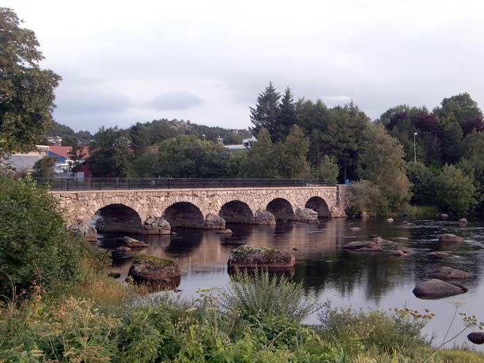 Hestavad bro i enden av Nyeveien