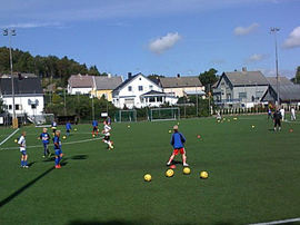 Fotball på Husabø. Foto: EIK fotball