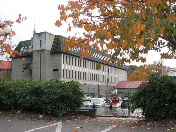 Rådhuset om høsten