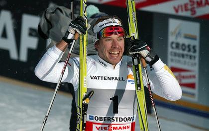 SPRINTKUNGEN är Emil Jönsson, men den här satt långt inne för gästrikestjärnan. Foto: MOA MOLANDER KRISTIANSEN