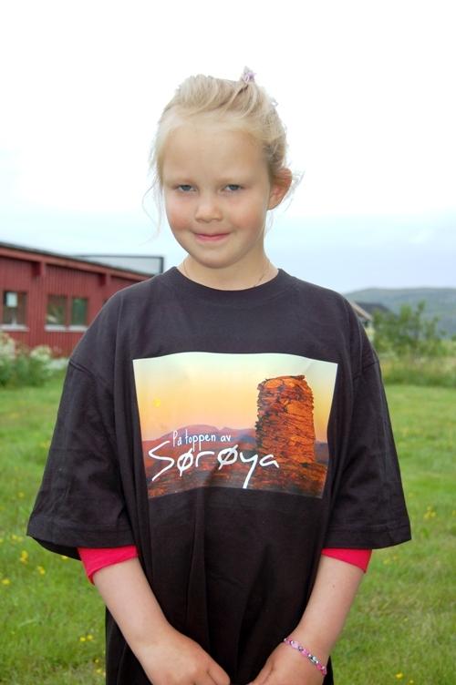 Randi til topps på Sørøya - foto: Kim-Are Walsø