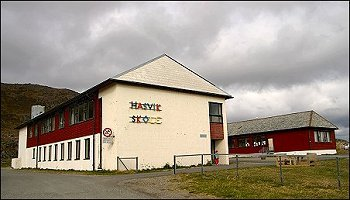 Hasvik skole - foto: Anne Olsen-Ryum