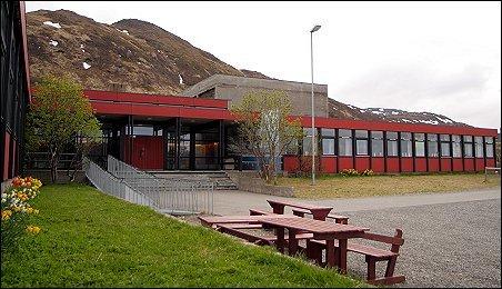 Breivikbotn skole