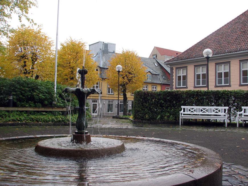 foto-Egersund-Strandgaten-og-parken-SemHadland