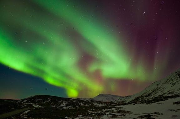 Stor nordlysaktivitet 22. januar 2012 - copyright Anne Olsen-Ryum