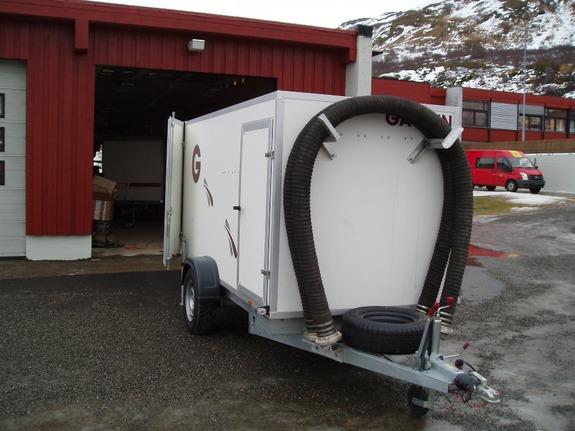 Den nye brannhengeren i Breivikbotn - foto: Halvard Holst-Olsen