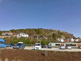 Ægrefjell på Eie med NSB jernbanestasjonen
