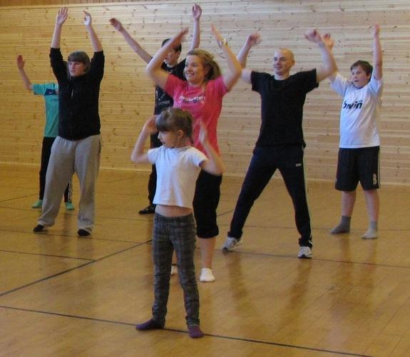 Dansedag på Sørvær oppvekstsenter 31. mai 2012
