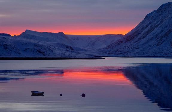 Vinterlys i Hasfjord - foto: Anne Olsen-Ryum