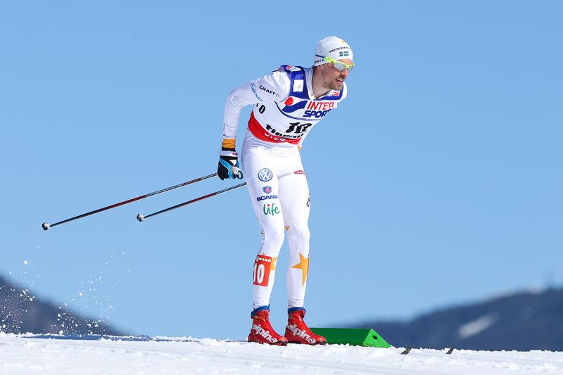Johan Olsson, en favorit hos Vinterstudiopubliken. Här ser vi Johan på väg mot femmilsguldet i vintras. FOTO: Laiho/NordicFocus.
