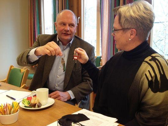 Mike Görtz mottar nøklene til Pleie og omsorg