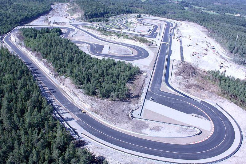 Här på motorbanan i Rudskogen avgörs norska cupen på rullskidor 17 augusti.
