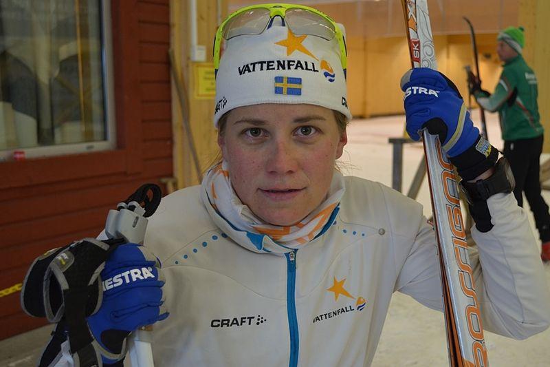 Ida Ingemarsdotter har haft en bra träningssommar. Den gångna veckan blev det skidåkning på snö i Torsby Ski Tunnel. Snart väntar Alliansloppet på rullskidor. FOTO: Johan Trygg.