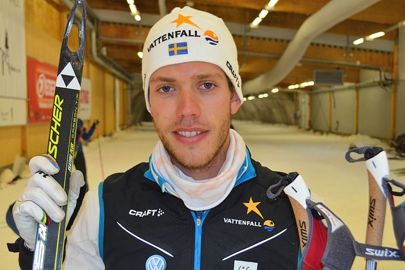 Marcus Hellner har lagt mycket tid på styrketräning i sommar. Men här är han vid skidåking i Torsby Ski Tunnel vid landslagets läger förra veckan. FOTO: Johan Trygg.