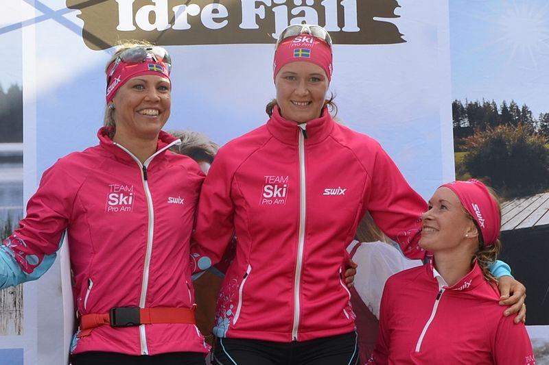 Britta Johansson Norgren vann nyligen klassiska loppet vid Idre Fjäll Hill Climb. Tvåa och trea blev lagkompisarna i Team Ski Pro Am Annika Löfström och Solfrid Braathen. FOTO: Team Ski Pro Am.