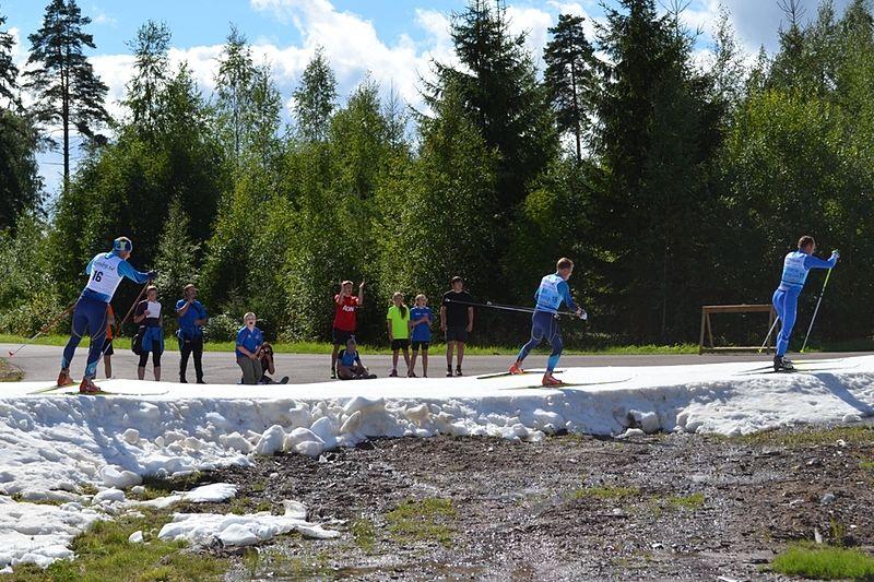 Publiken bjöds på fin skidåkning under Torsby Ski Festival. FOTO: Johan Trygg.