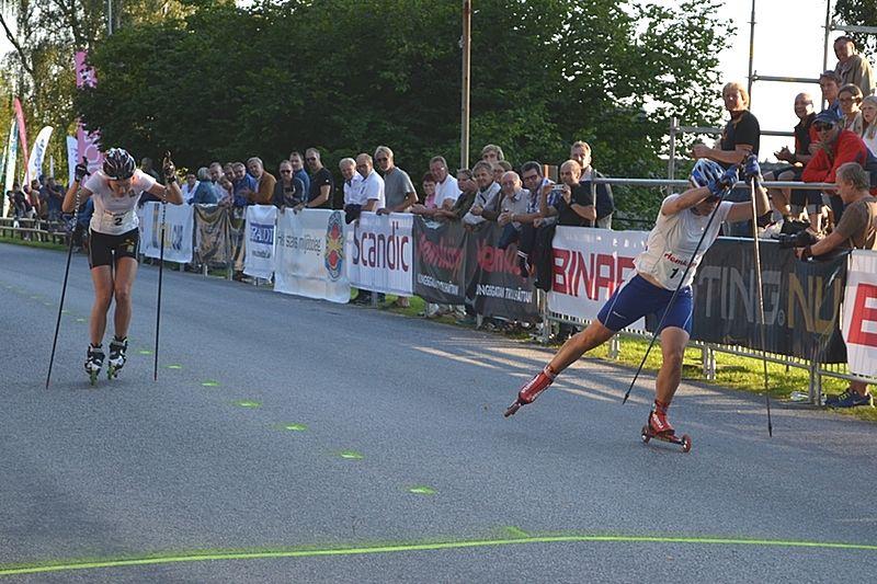 Maria Magnusson vinner finalen strax före Maja Dahlqvist. FOTO: Johan Trygg.