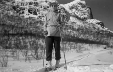 Skitur på Møkland ca. 1950 Originalbildet er lånt av Bergren Johnsen
