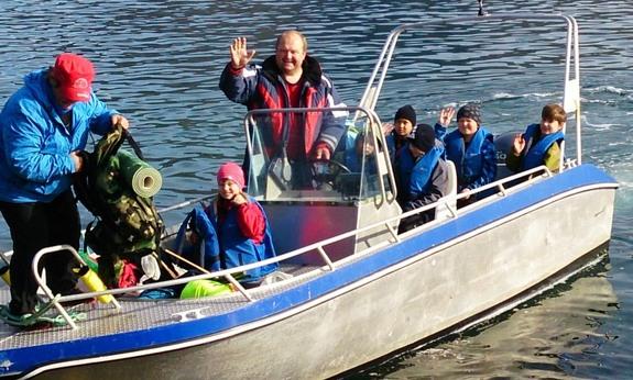 Båtskyss tilbake dagen etter