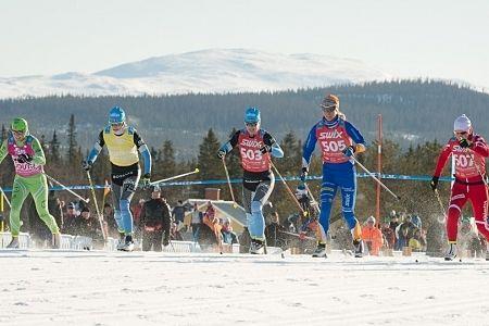 Tjejerna får starta före herrarna i Jizerska. Precis som här i Årefjällsloppet i våras. FOTO: Magnus Östh.