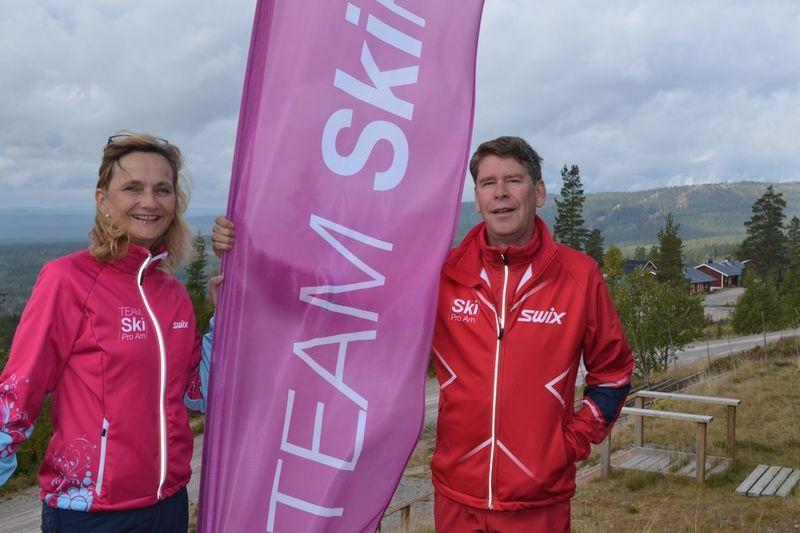 Runi och Ole Jörgen Wold ligger bakom nya långloppsteamet med enbart tjejer, Team SkiProAm. FOTO: Johan Trygg.