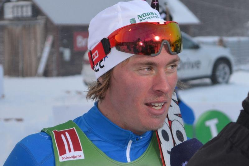 Simon Persson trea i prologen i Davos. FOTO: Johan Trygg.